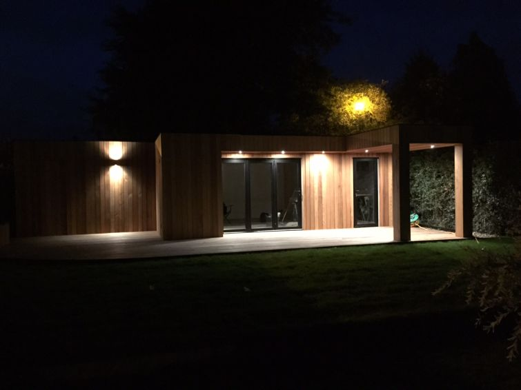 Western Red Cedar Cladding Garden Room 1